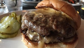 Cheeseburger ar St Dinette Lowertown St Paul